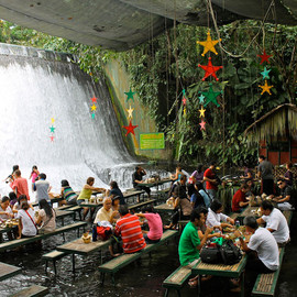 Phillippines - Labassin Waterfall Restaurant