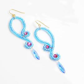 Ostara - Blue Curvy Earrings/Blue Czech Glass