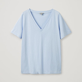 Cos - wide v-neck t-shirt in blue