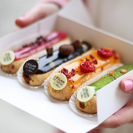 レクレール・ドゥ・ジェニ(L'Éclair de génie) - arunaea:eclair | via Tumblr on We Heart It.