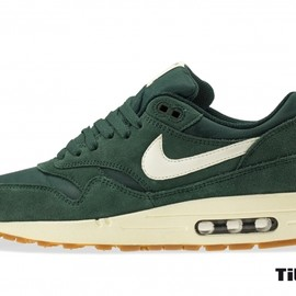 Nike - Air Max 1 Essential  Pro Green