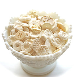 Andie's Specialty Sweets - Edible Vintage Vanilla Candy Buttons