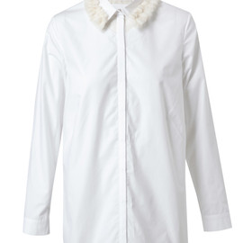 SIMONE ROCHA - classic white shirt trimmed with a tufted wool collar