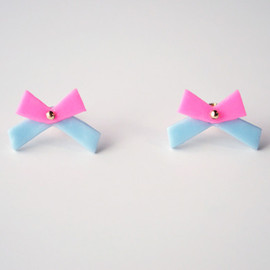 a cloudy dream - DOUBLE COLOUR RIBBON PIERCE VIVID PINK/BLUE