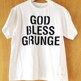 "WRIGHT - ""GOD BLESS GRUNGE"" (white) ILA.&WRIGHT The Stencil Awakens"