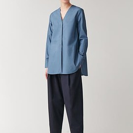 cos - LONG ROUNDED HEM BLOUSE
