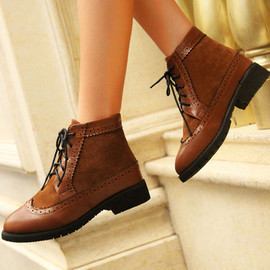 British Style Retro Perforated Lace-up Booties