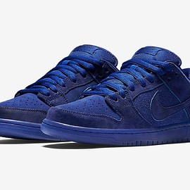 """NIKE SB - Dunk Low """"Once in a Blue Moon"""""""