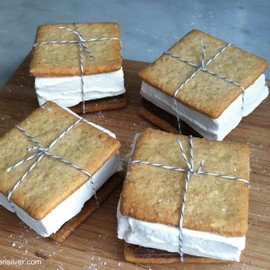 Graham Crackers & marshmallows