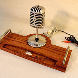 woodguy32 - iPad - iPhone - iPod - Dock - Sync and Charging Station- Oak - Microphone - iPad Dock  IPhone4 Dock iPod