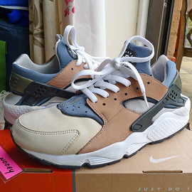 NIKE - Air Huarache LE - Escape