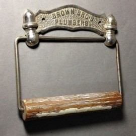"アメリカ・アンティーク - 1880's ""ADVERTISING"" Cast Iron Toilet Paper Holder"