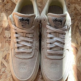 STUSSY, NIKE - Air Force 1 Low - Fossil Stone/Fossil Stone