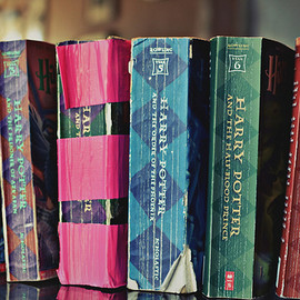 j.k.rowling - YES YES YES YES THIS IS HOW GOOD BOOKS SHOULD LOOK