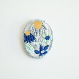 LanaPelana - Wildflowers, embroidered brooch
