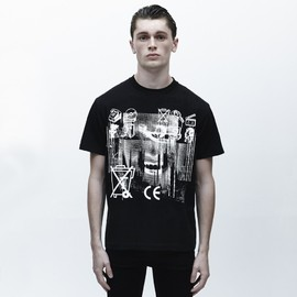 C.E - Disguise black t-shirt