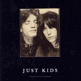 Patti Smith - (JUST KIDS)) BY Smith, Patti(Author)Paperback{Just Kids} on 01 Nov-2010