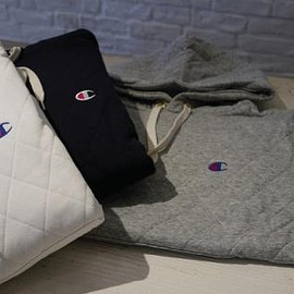 Champion - Quilt Pullover