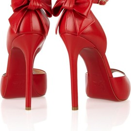 red bow shoes