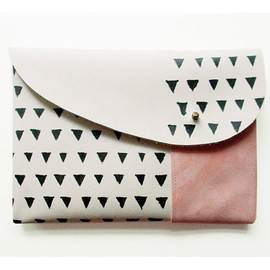 COIN PURSE // pink suede with small yellow triangles