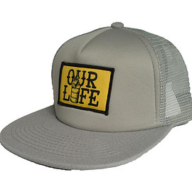 OUR LIFE - OUR LIFE BARREL PATCH MESH CAP Silver