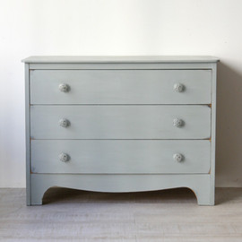 kino - Vintage Pale Blue Chest