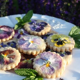 Pansy Shortbread Cookie recipe