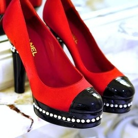 CHANEL - red & black
