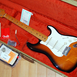 fender - USA Thin Lacquer Finish  57 Stratocaster