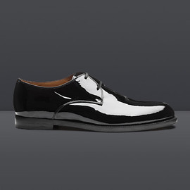 JIMMY CHOO - A classic two hole Derby lace-up available in classic black patent leather
