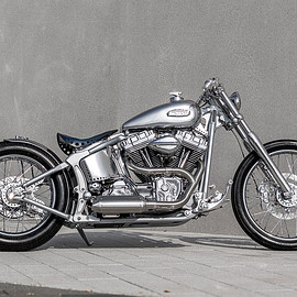 One Way Machine - Harley-Davidson Softail