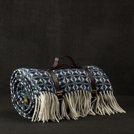 DARK ROOM - BLANKET:COB WEAVE NAVY