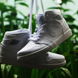 Nike - NIKE AIR JORDAN 1 MID WHITE/COOL GREY-WHITE
