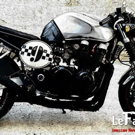 Kawasaki - ZR7 Cafe Racer by Luke
