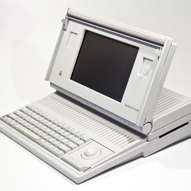 Apple - Macintosh Portable