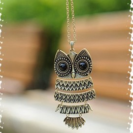 Lovely Vintage realistic Owl Necklace 30g