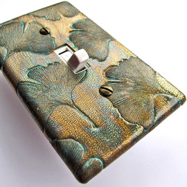 Luulla - Bronze Ginkgo Light Switch Plate