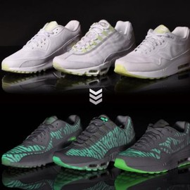 Nike - NIKE AIR MAX GLOW IN THE DARK PACK