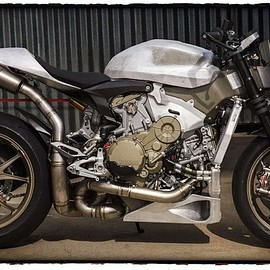 "Roland Sands design (RSD) - ""Uncovered"" DUCATI 1199 Superleggera"