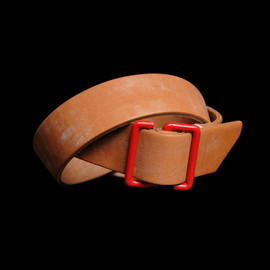 TENDER - Red S Buckle Oak Bark Leather Belt in Tan