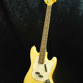 Fender USA - Mustang bass