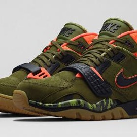 Nike - NIKE AIR TRAINER SC II FADED OLIVE/BLACK-HYPER CRIMSON