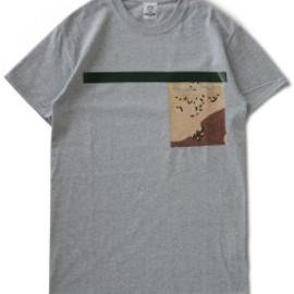 TOGA ODDS&ENDS - Rubber Pocket Tee (grey)
