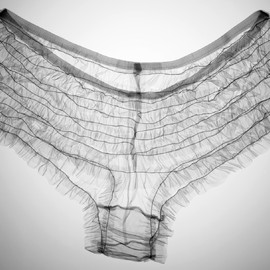 Nick Veasey - photography - Kylie's knickers