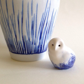 createM - Mini porcelain snow owl with blue feathers, Barn Owl, Owl, Porcelain animal