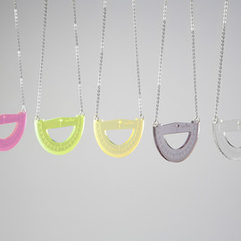 mass item - protractor necklace