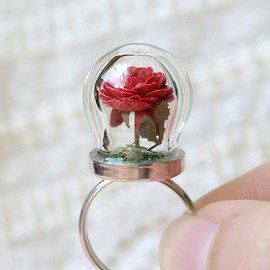 WoodlandBelle - Tiny Terrarium Red Rose Blossom Ring