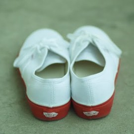 VANS - AUTHENTIC (RR)