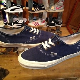 "vans - 「<used>90's vans W's AUTHENTIC navy""made in USA"" size:W's US10(26cm) 12800yen」完売"