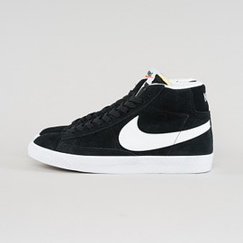 NIKE - Blazer Mid PRM - Black/White/Gum Light Brown